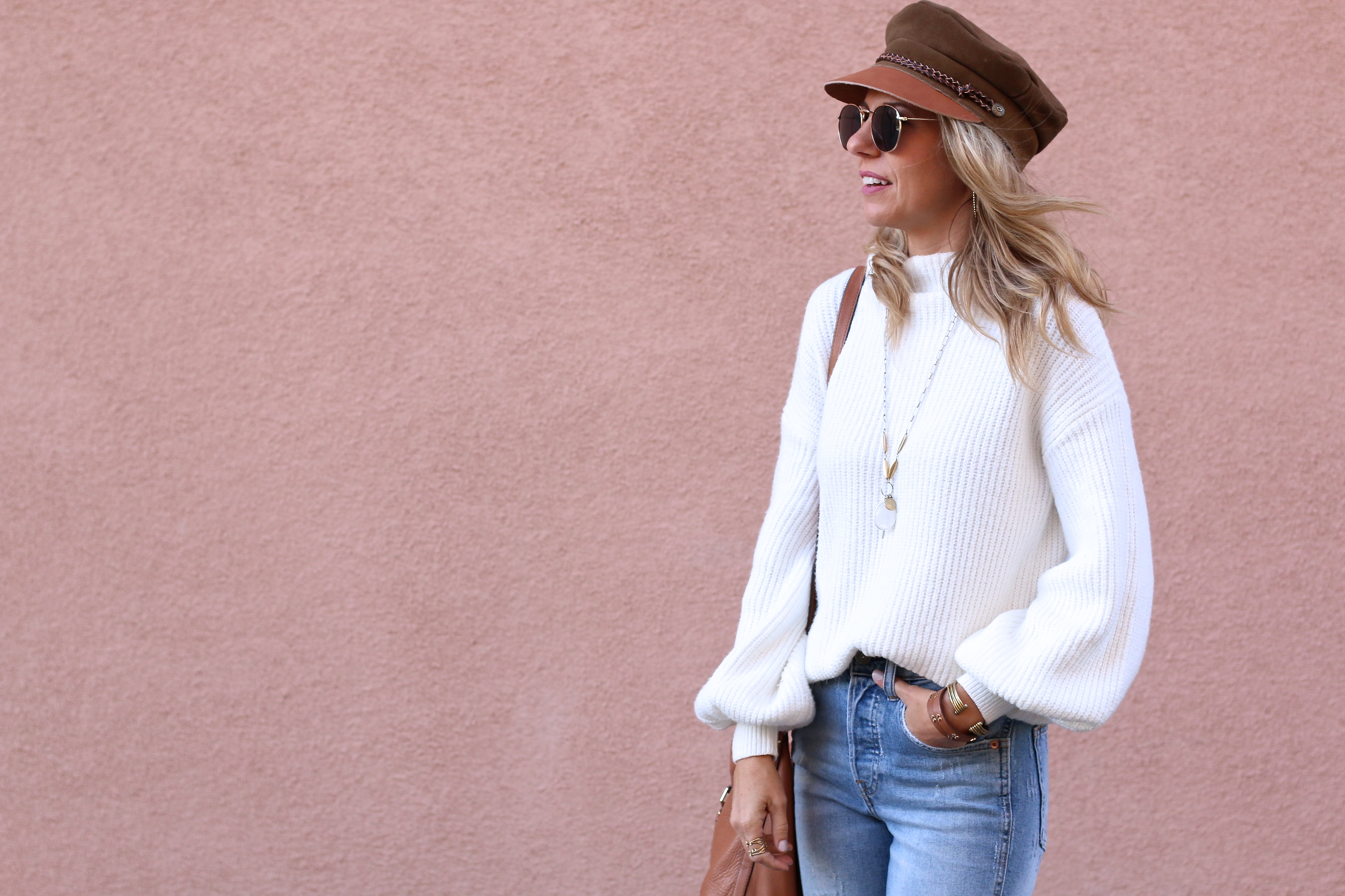 3 WAYS TO STYLE A WINTER WHITE SWEATER