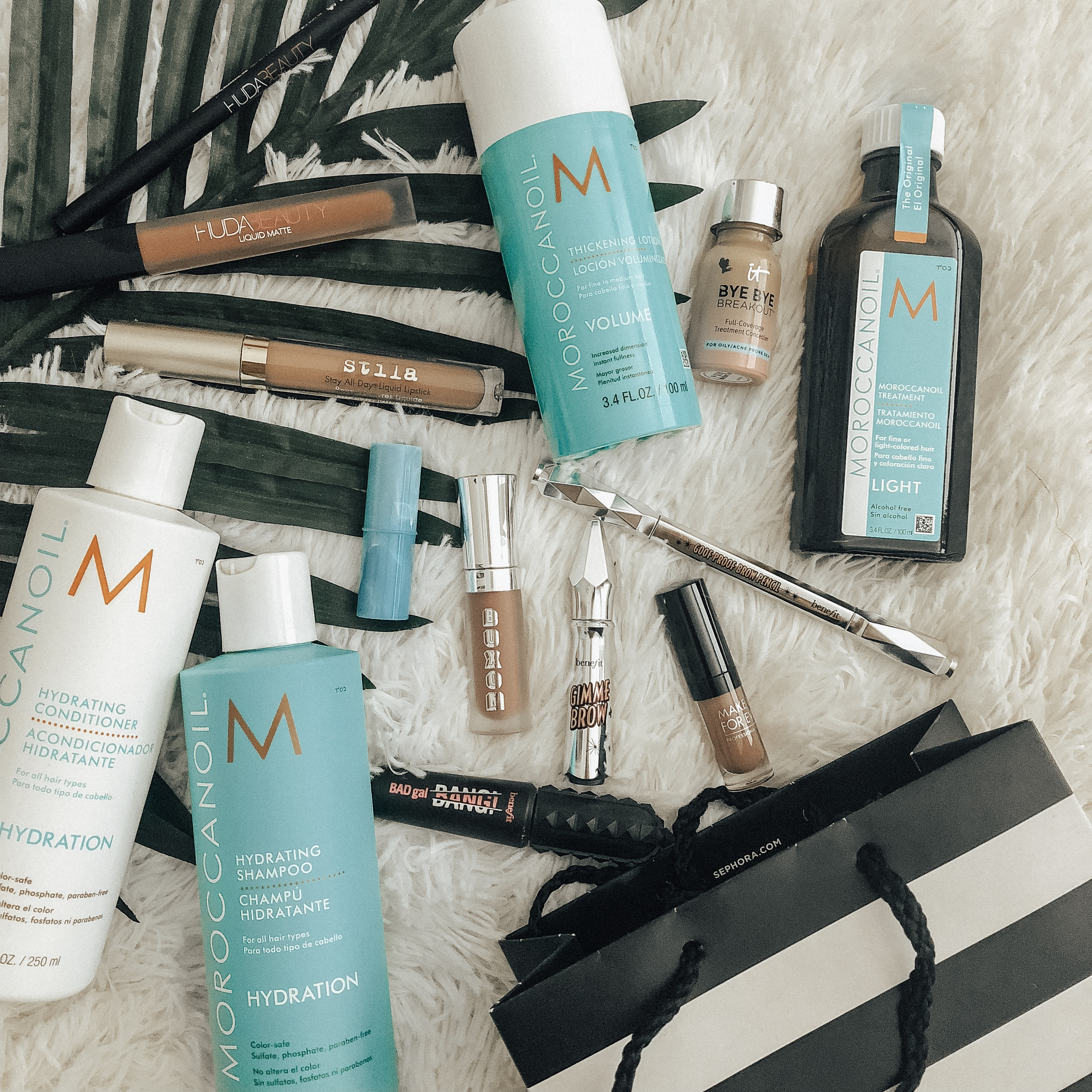 SEPHORA BEAUTY INSIDER SALE- MY MUST HAVES AND WHAT I GOT- Jaclyn De Leon Style + beauty blogger + beauty must haves + fall beauty + moroccan oil + buxom lipgloss + benefit gimme brow + it cosmetics concealer + huda beauty +benefit bad gal bang + stila longwear lipgloss + tarte + makeup forever