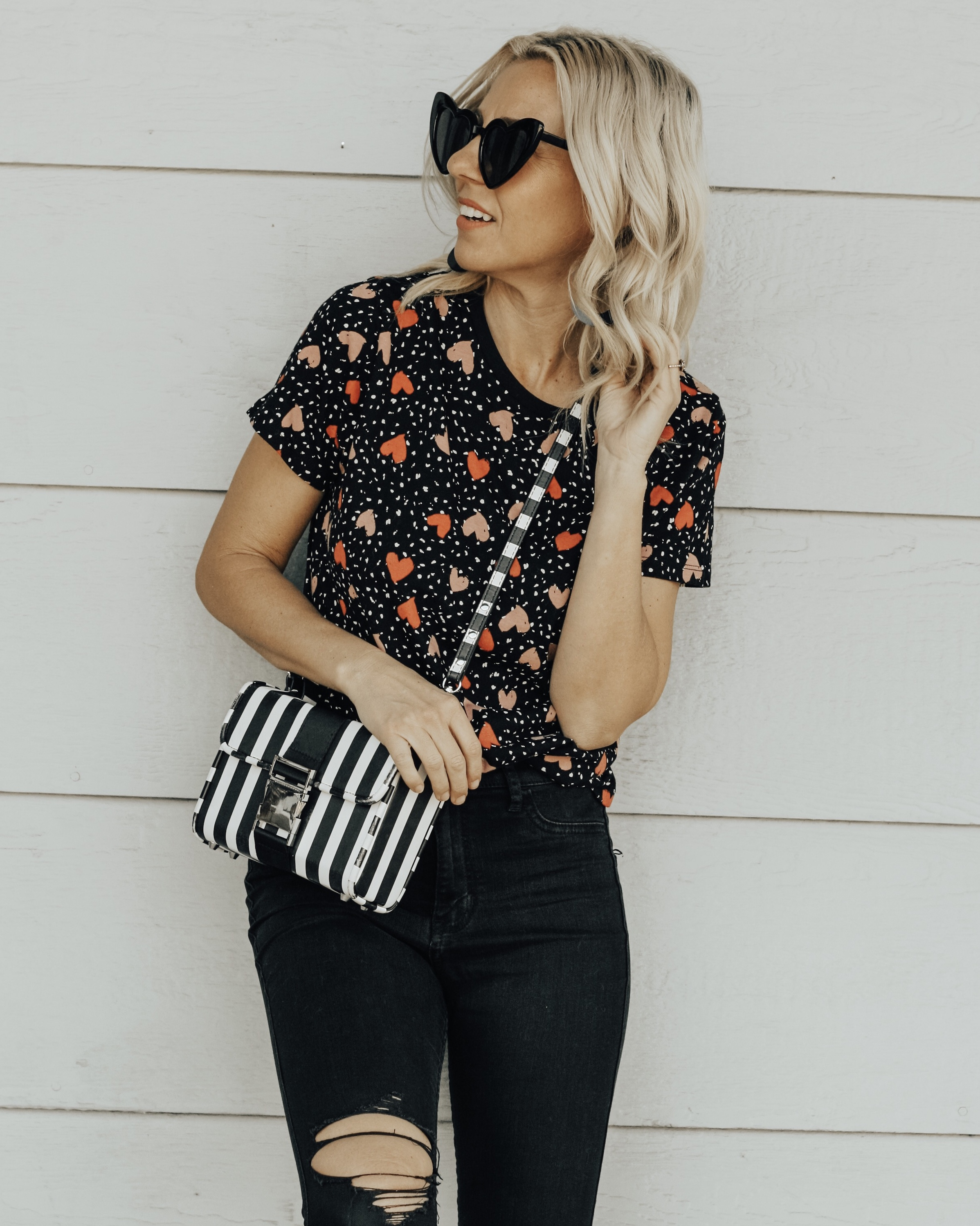 VALENTINE'S INSPIRED GRAPHIC TEES- Jaclyn De Leon Style + holiday style inspo + what to wear this Valentine's day + lips tee + heart tee + spring style + love + heart sunglasses + retro style + 90s fashion + Valentine's style + mom fashion