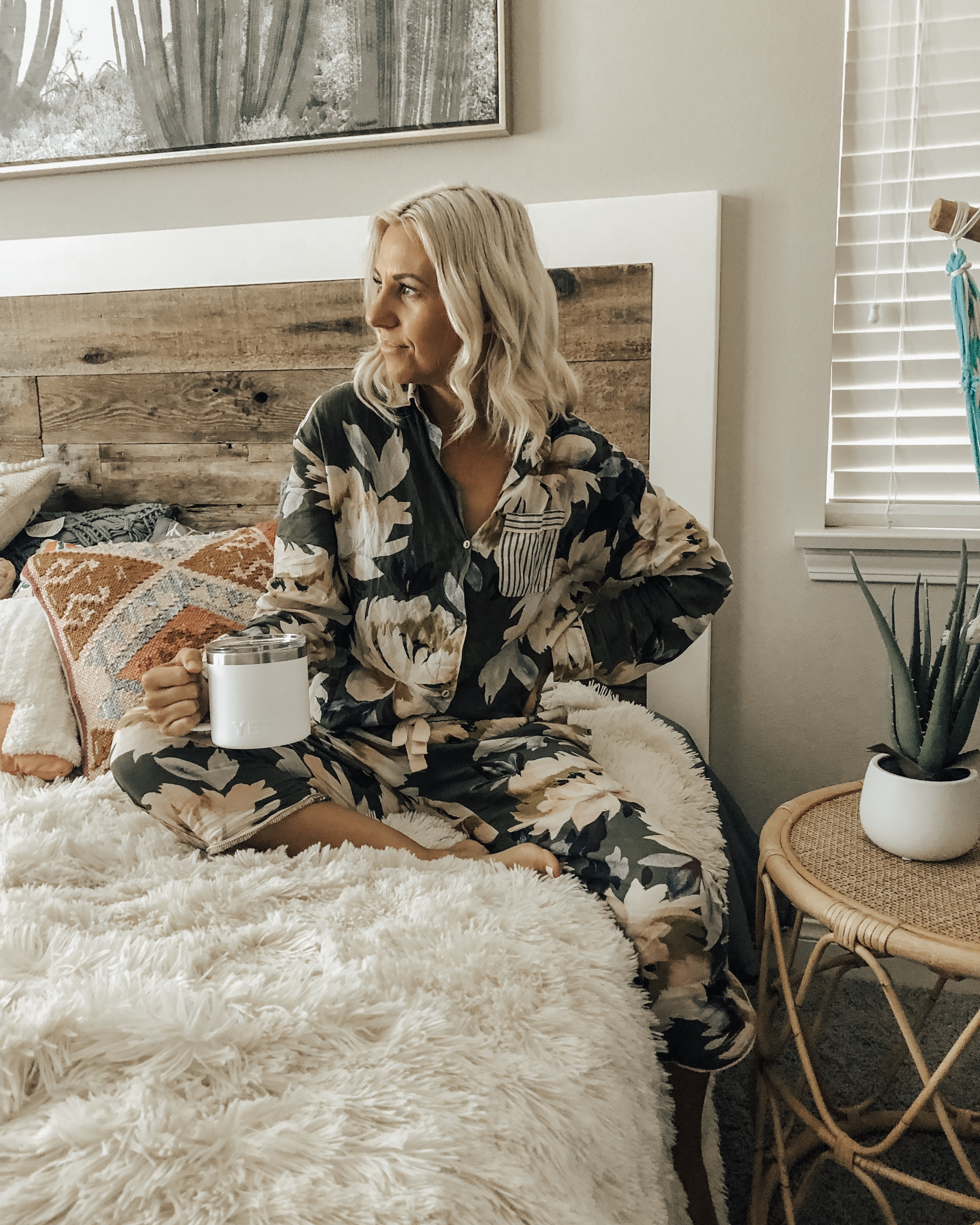 THE COZIEST PAJAMA SETS- Jaclyn De Leon Style + With a new season comes new pajamas and I have found some of the cutest spring & summer pj sets. Tons of adorable prints with the coziest fabric.