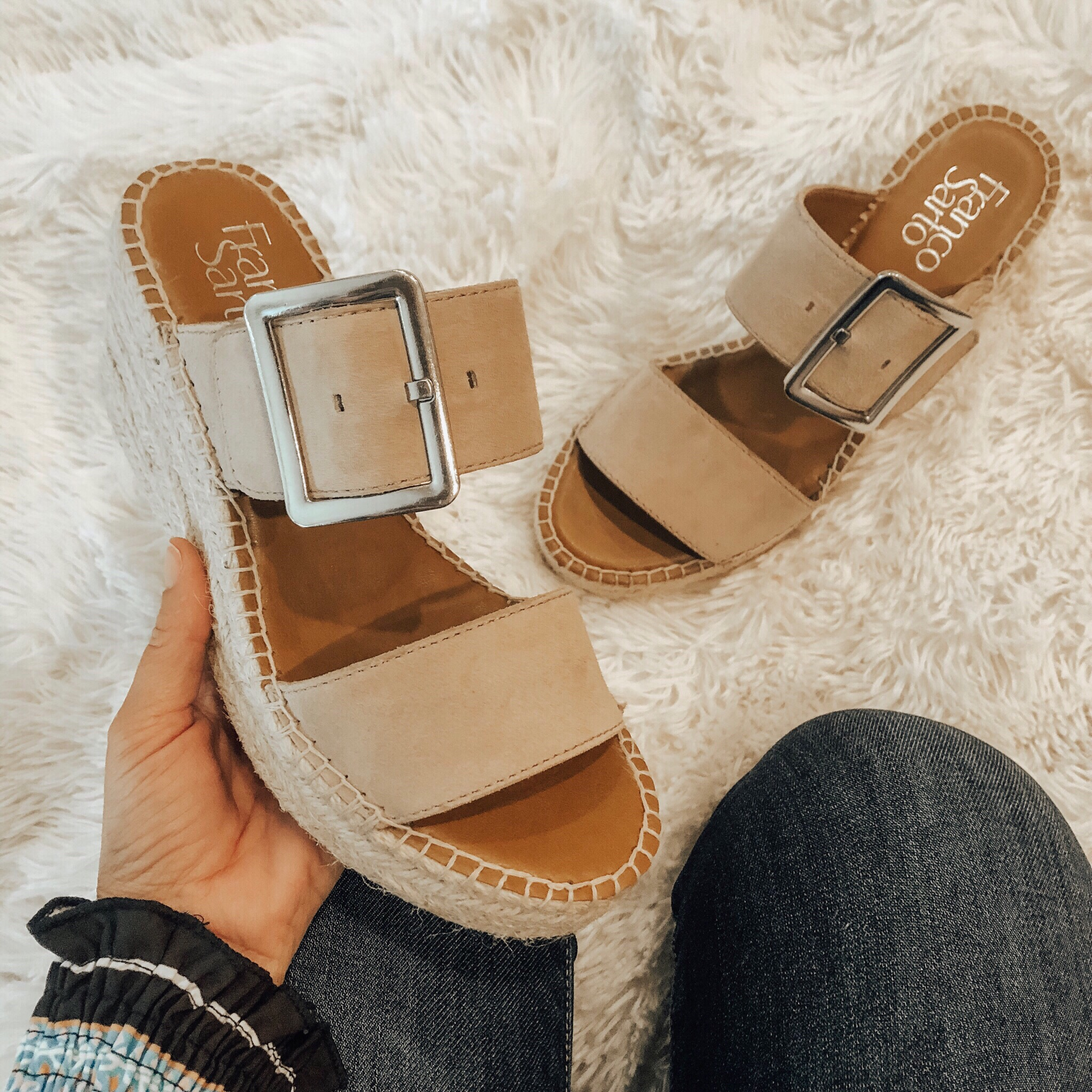 MAY TOP 10- Jaclyn De Leon Style + This month was all about the Amazon finds! 8 out of the top 10 were from Amazon and I'm not one bit surprised. I can't stop wearing these espadrilles becasue they're that good.