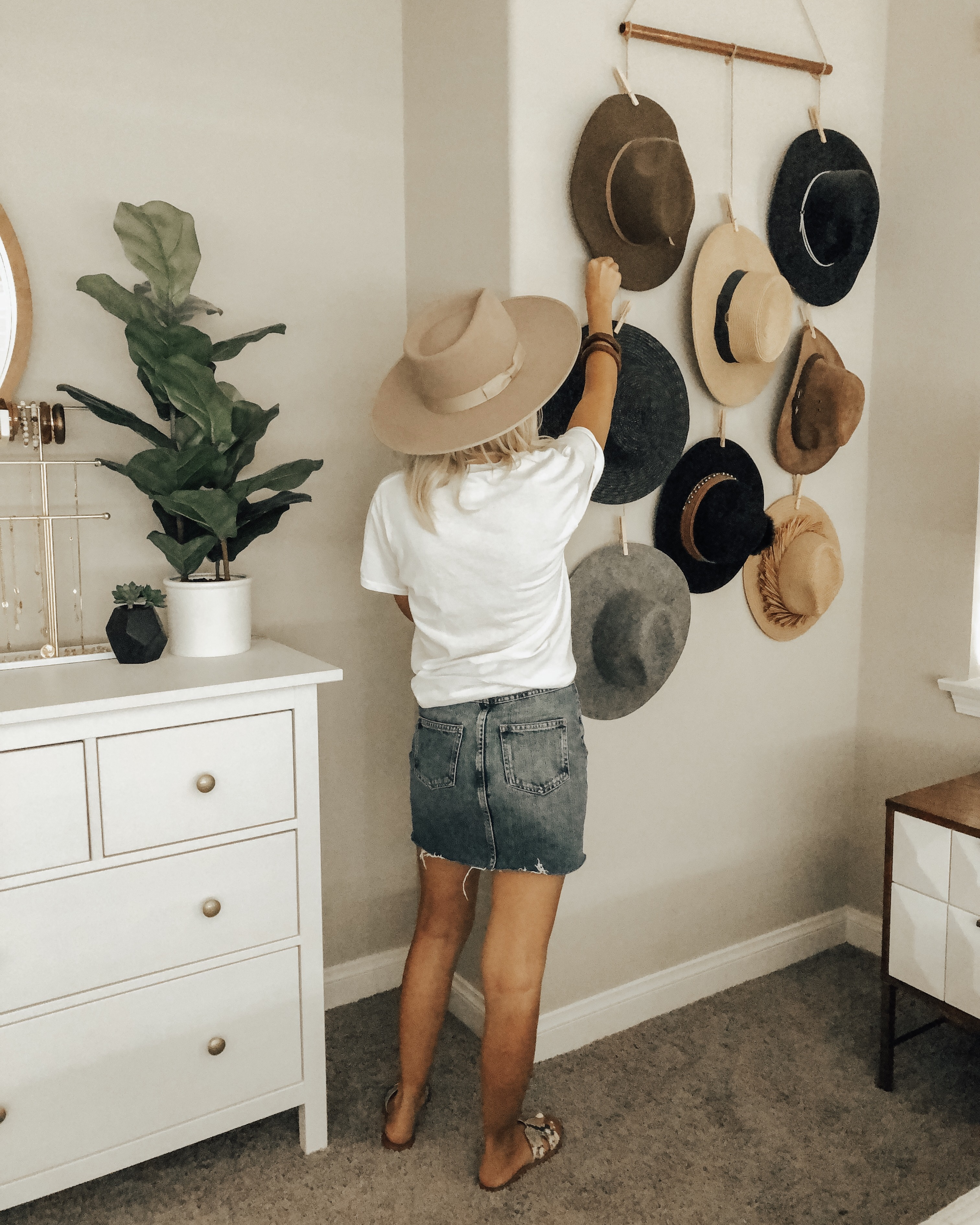 CURRENT FAVORITE HATS FROM A CRAZY HAT LADY- Jaclyn De Leon Style + Sharing all my favorite hats from straw hats to wide brim felt hats and more. Also sharing my expensive hats and designer dupes too.
