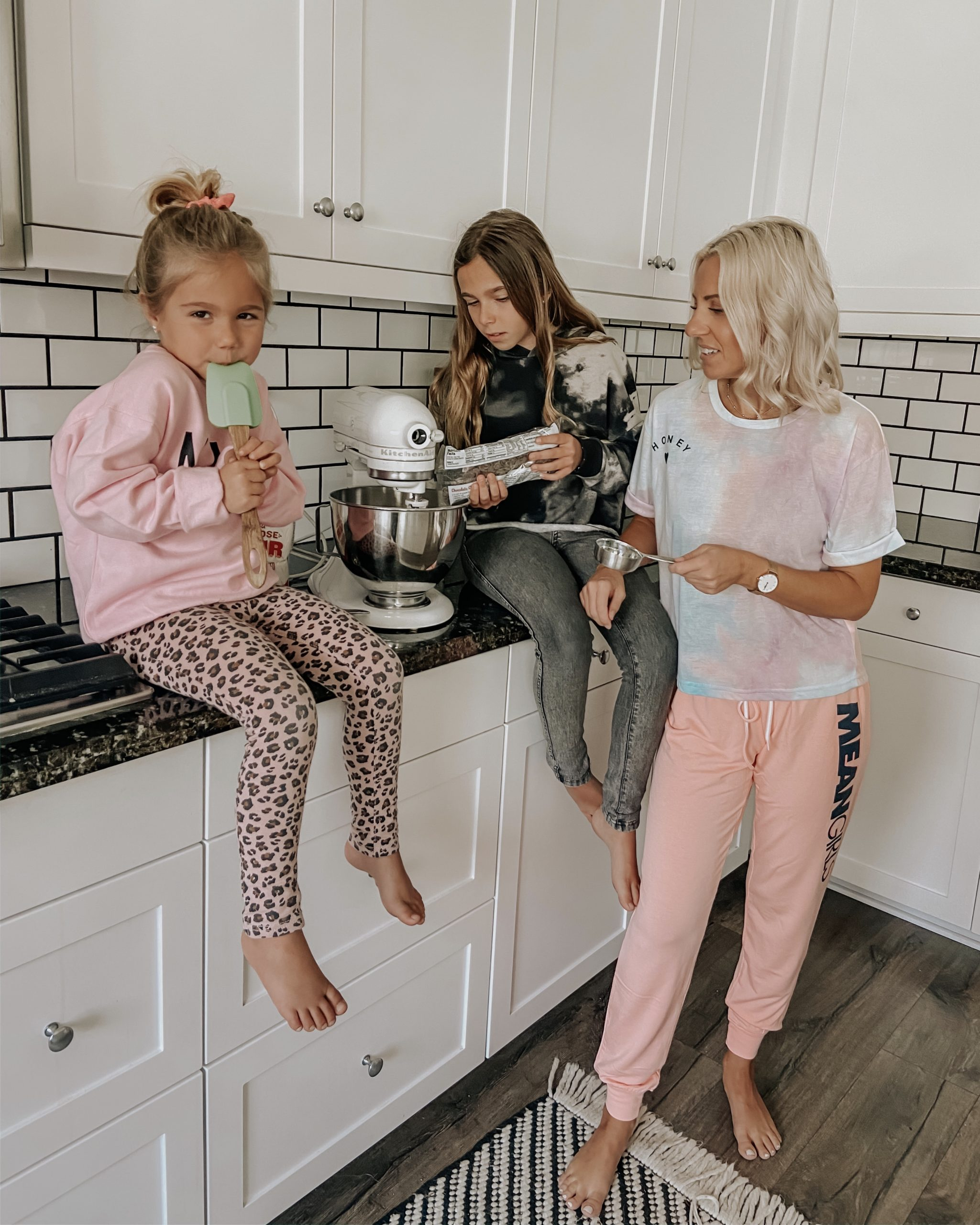 BAKING BANANA BREAD WITH MY GIRLS- Jaclyn De Leon Style: Having fun with my kids in the kitchen and sharing Lulu's famous chocolate chip banana bread recipe