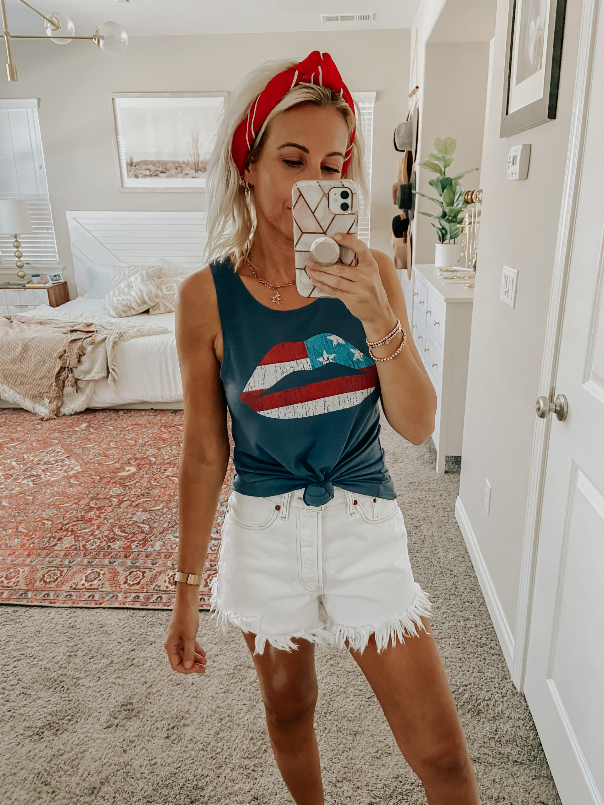 LAST MINUTE 4TH OF JULY OUTFIT IDEAS- Jaclyn De Leon Style+ sharing a few different outfit ideas for the 4th of July and Americana style holidays