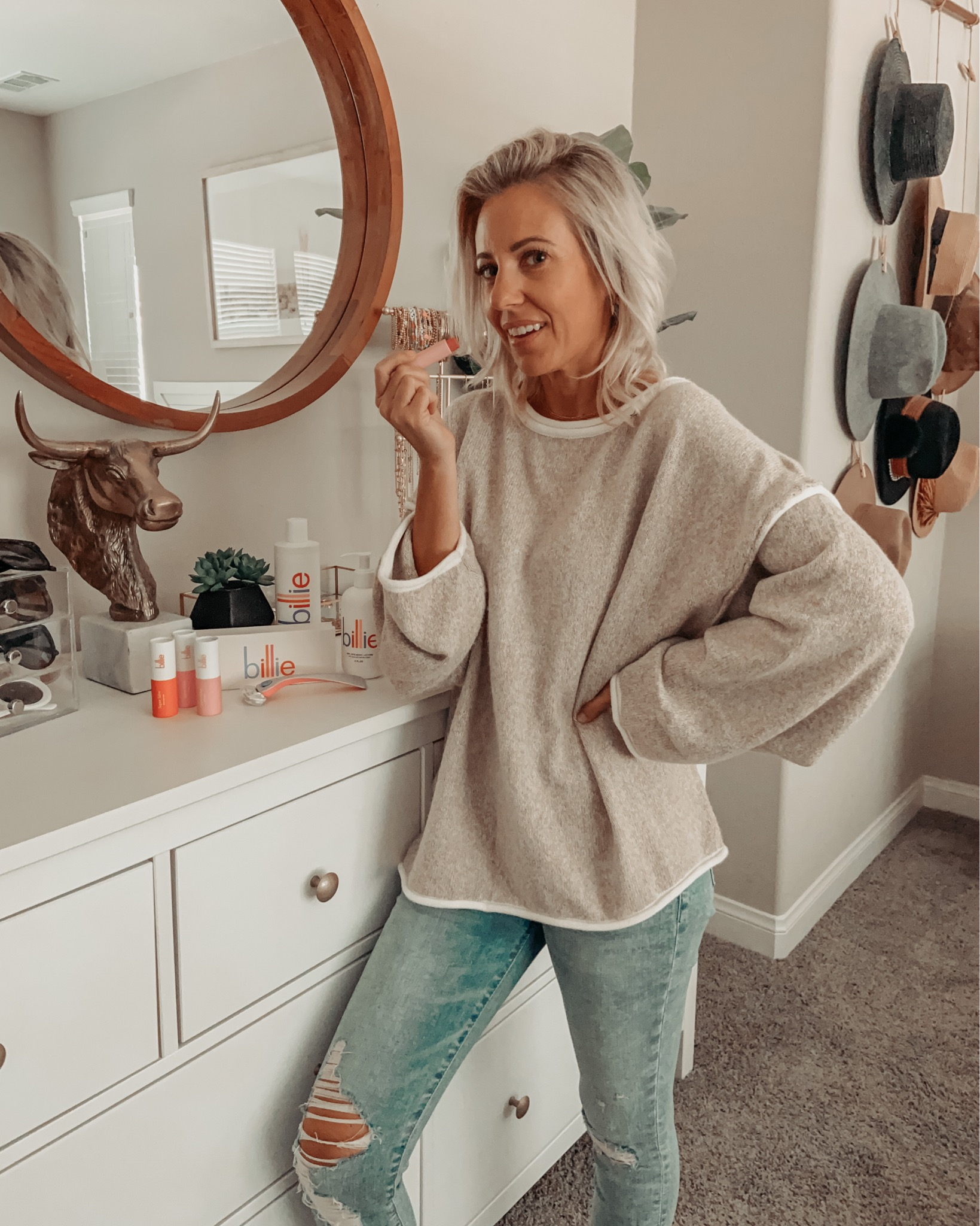 TOP 10 MOST LOVED FROM AMAZON IN 2020- Sharing the most shopped Amazon favorite finds in 2020. Lots of affordable fashion, jewelry + more