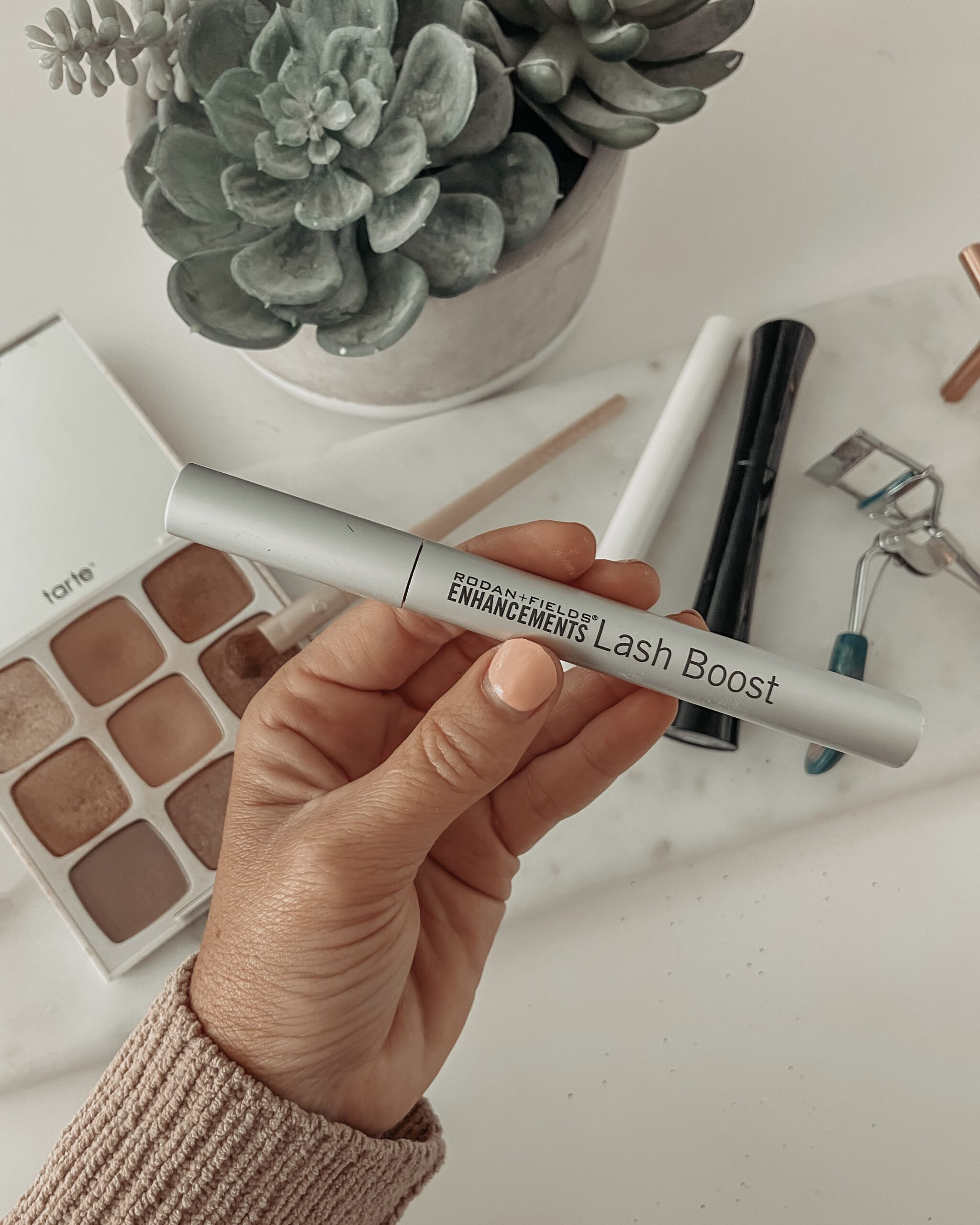 RODAN + FIELDS PRODUCT REVIEW: LASHBOOST + BROW DEFINING BOOST- Jaclyn De Leon Style. Sharing my review of lash and brow enhancing products from R+F.