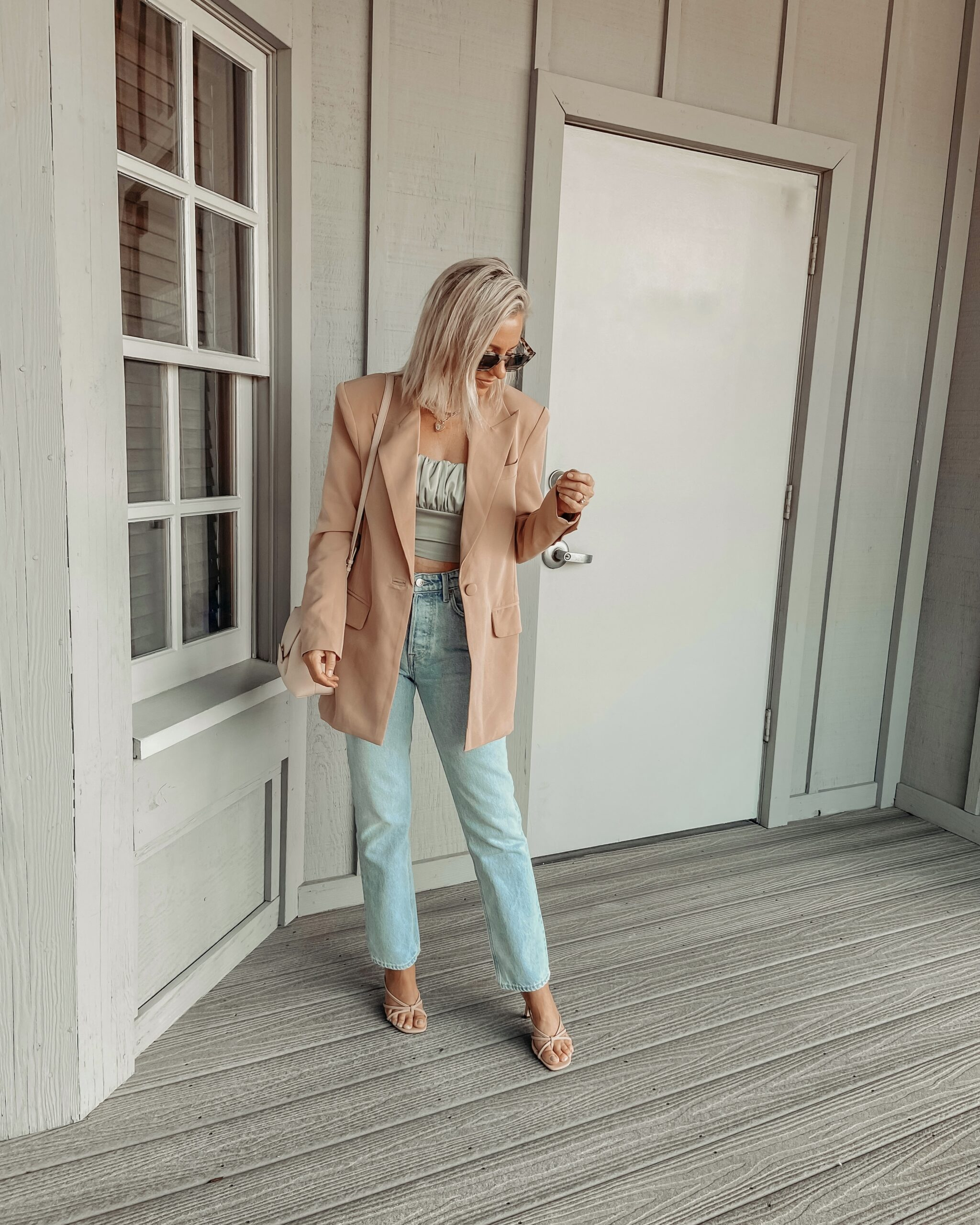 CHIC BLAZER STYLED 2 WAYS: Jaclyn De Leon Style- sharing a chic oversized blazer and two easy ways to style it. Paired with denim or a dress. Casual or dressed up. Fall outfit inspo